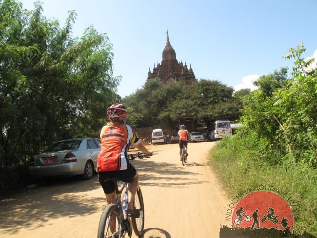Cycling Bagan